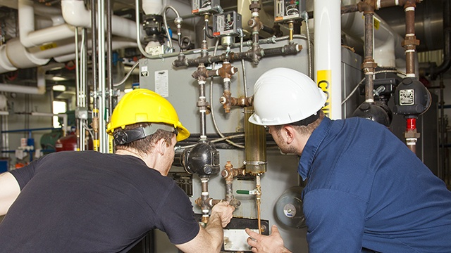 General Industrial - Technicians at Furnace - Model 209 - 640x360