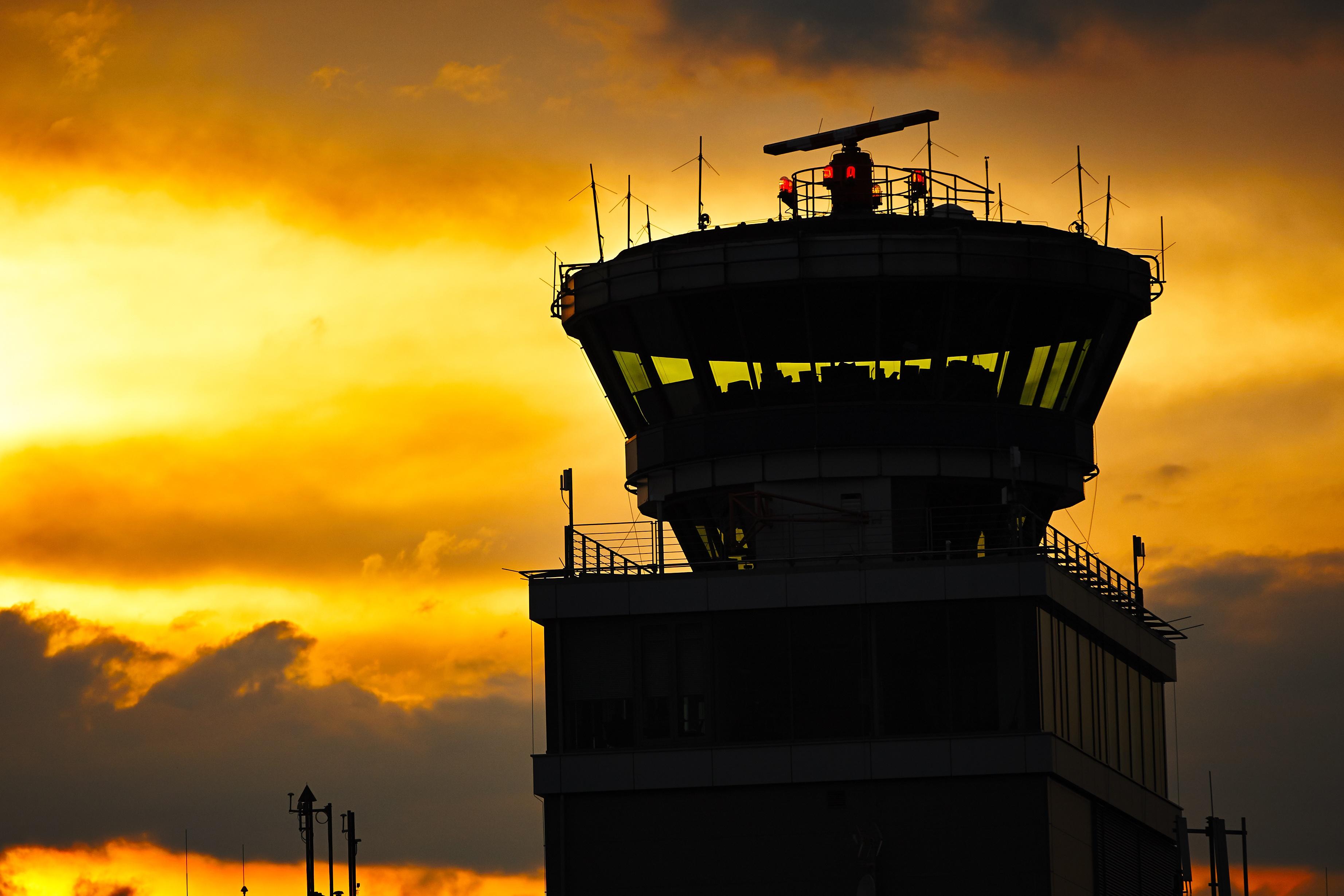 General_Industrial_-_Barometic_-_Airport_Barometric_Device.jpg