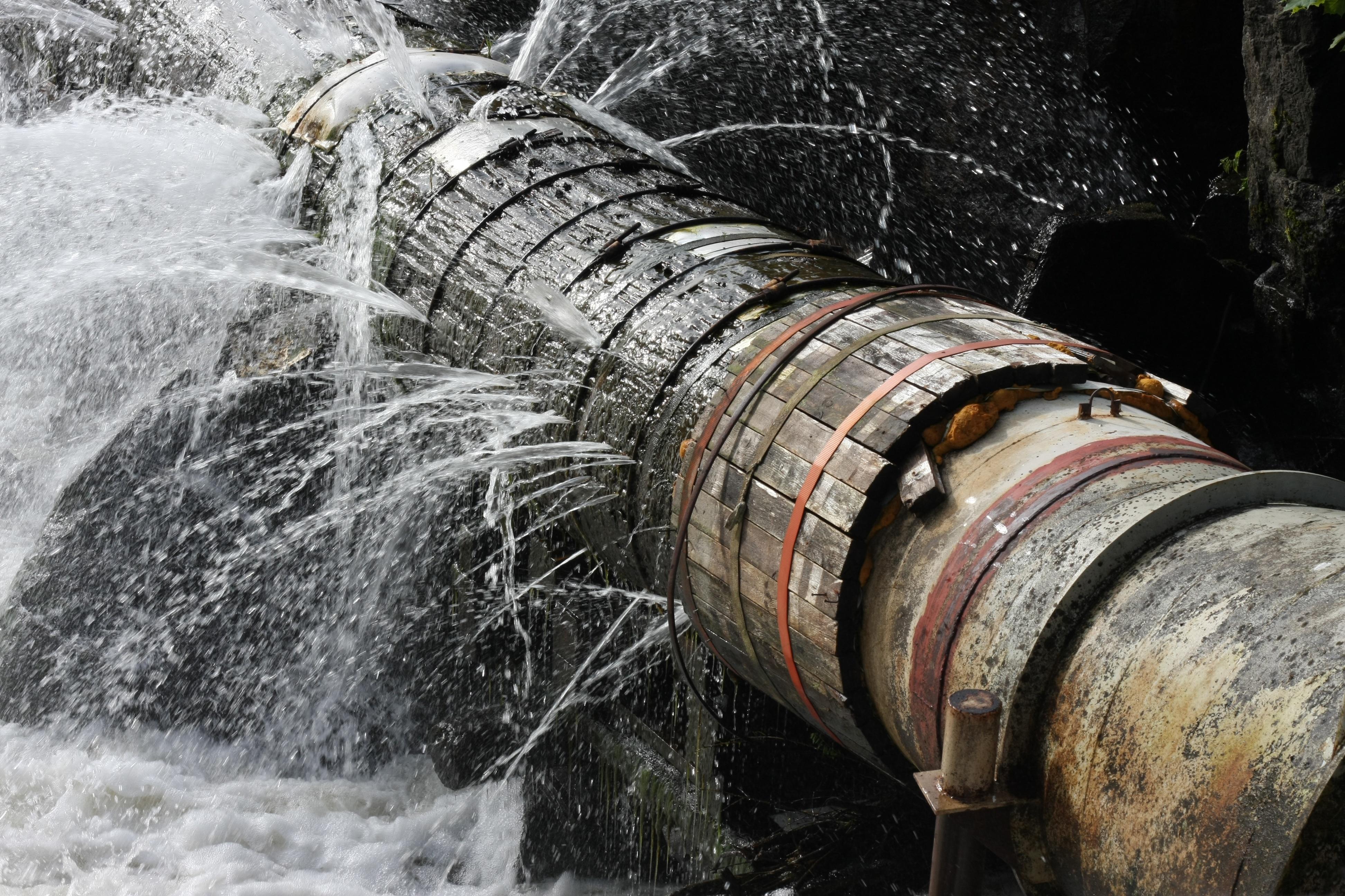 bigstock-Old-Leaking-Pipe-25153142.jpg